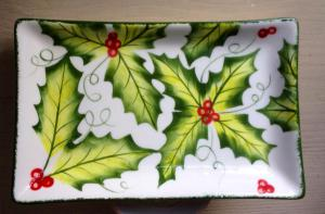 Holly-leaf-rectangle-dish
